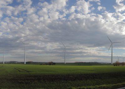 Blick aus Niederbelle (im Vordergrund WP Belle, im Hintergrund WP Steinheimer Becken)